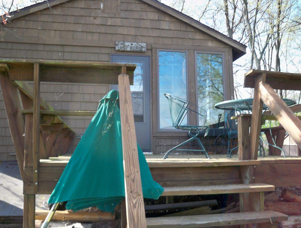 Deck, Rear of Cabin